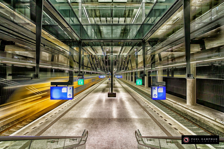 Perron Nieuw NS Station Delft. Ontwerp: Mecanoo Architecten Delft.